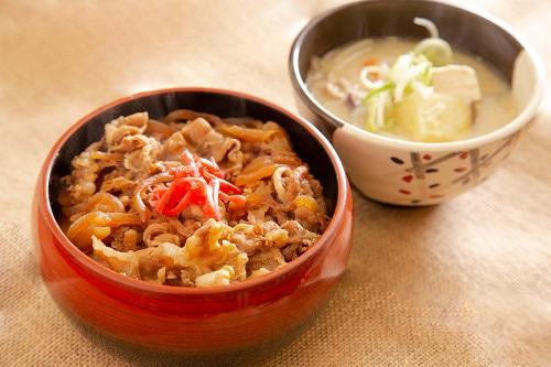 牛丼セット(ミニ豚汁付)