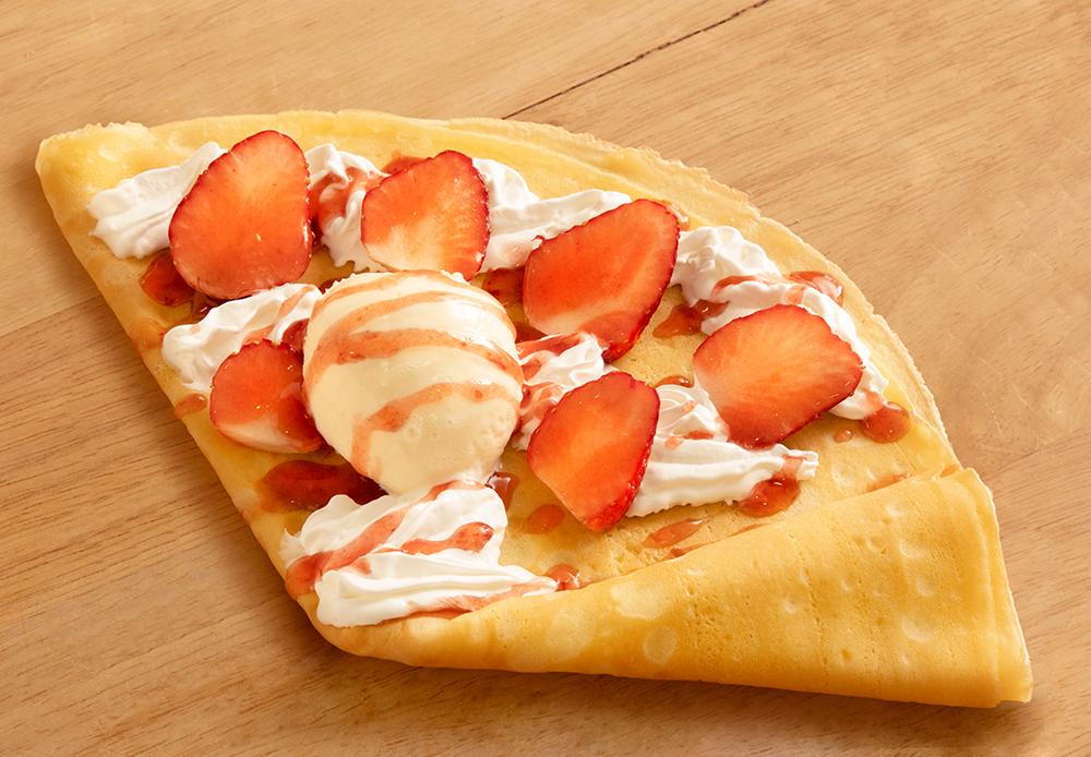 Ice cream & strawberries